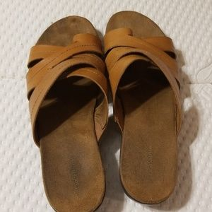 Croft and Barrow brown 10 M leather sandals